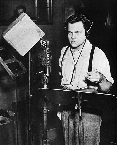 Orson Welles performing War of the Worlds.